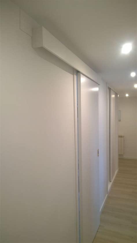 puerta lacadas  suelo laminado exposicion puertas actur