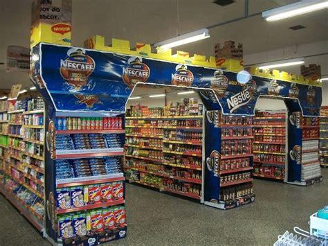 visual merchandising   attract customers  store