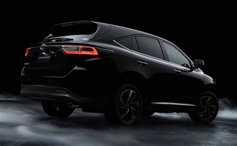 toyota harrier toyota harrier facelift makes japan debut 2 0 turbo
