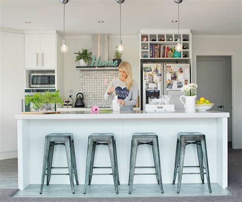 kitchen lighting nz israel and dagg s suburban retreat is the ideal 2193
