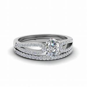 Oval shaped loop split diamond wedding ring set in 14k for Wedding ring sets white gold