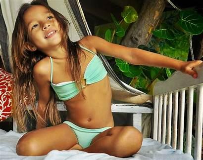 Crazy Dasha Usseek Holidays Bikini Neighbors Daughter