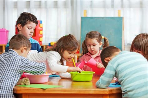 preschool kids playing what is a play based approach to preschool 316