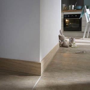 Plinthe Bois Massif : plinthe chene massif 16 x 98 mm bord arrondi ~ Melissatoandfro.com Idées de Décoration