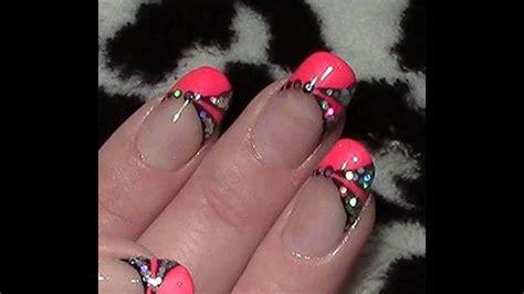 pink neon nageldesign fingernaegel lackieren pailletten