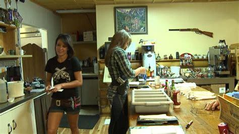 Colorado Restaurant Staff Proudly Open-Carries Handguns ...