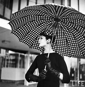 Women In 1940-1950s In Black And White Photos By Nina Leen ...