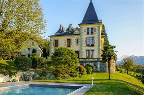 chateau 224 vendre en rhone alpes savoie chambery