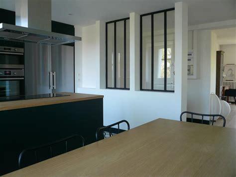 renover des armoires de cuisine cuisine avec verrière donnant sur l 39 entrée delphine gaillard