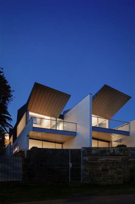 narrow beach house  sydney  marston architects