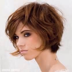 coupe de cheveux courte femme visage ovale coupe de cheveux femme court cheveux epais