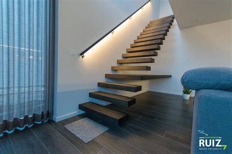Zwevende design trap - Ruiz Wood Technics