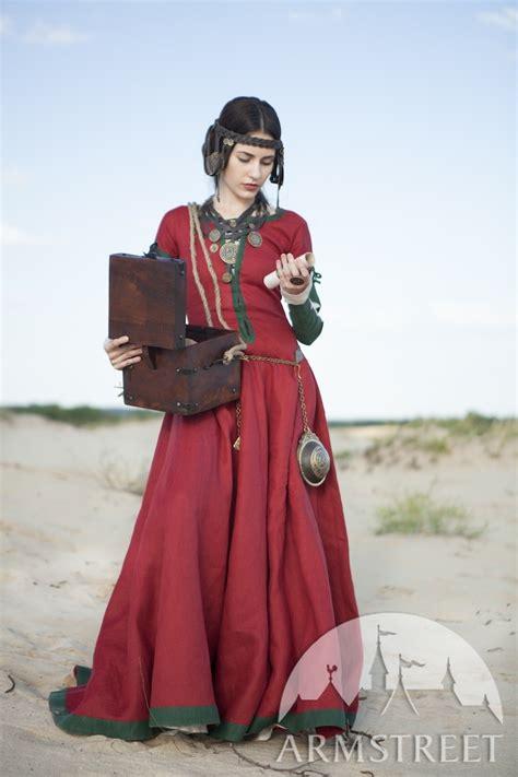 robe corset  chemise medievaux fantastiques fille de