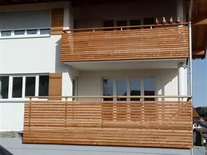 Vordach Holz Komplett : balkon holz l rche kreative ideen f r innendekoration und wohndesign ~ Whattoseeinmadrid.com Haus und Dekorationen