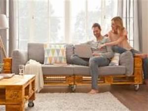 Couch Von Milben Befreien : bequemes sofa aus paletten bauen bauhaus ~ Indierocktalk.com Haus und Dekorationen