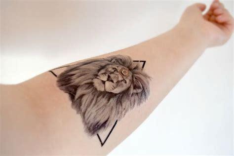 tatouage lion images  pinterest tattoo ideas