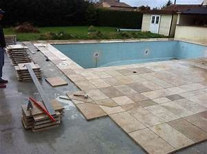 dalle travertin 40x60 1er choix carrelage en pierre naturelle With contour de piscine en pierre 1 terrasse bois composite dallage pierres
