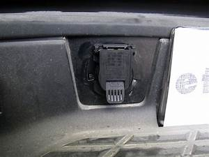 Twist-in  7-pole  Rv-style Trailer Connector For Chevy And Gmc Vehicles