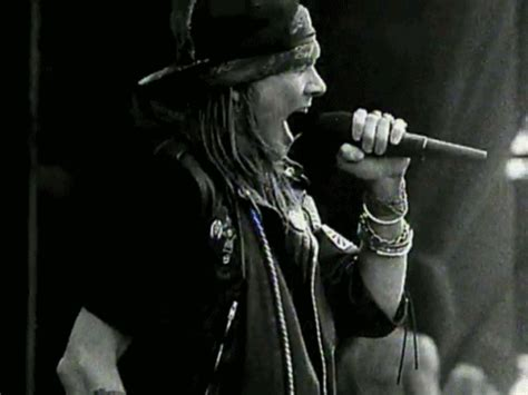 axl rose paradise city axl rose is singing paradise city gif on we heart it