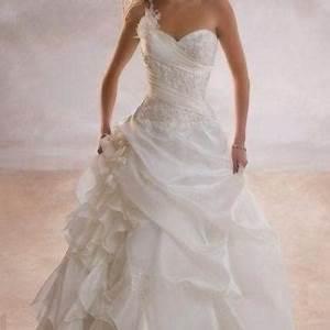 robe de mariee boheme pas chere vintage avec dentelle With robe de mariée discount avec bracelet strass mariage
