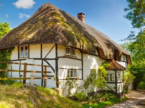 thatched cottage 18 gorgeous thatched cottages britain and