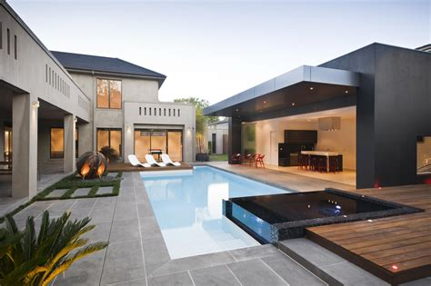 Mix Of Traditional And Modern Architecture Which Gives