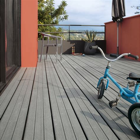 terrasse composite leroy merlin pose d une terrasse en bois ou composite de 15 m 178 leroy merlin