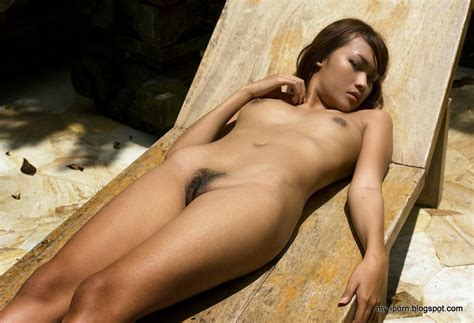 Indonesian Exotic Nude Model Diah Ayu Totally Naked Uncensored