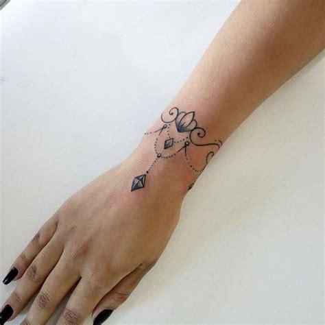 Tattoos Am Handgelenk Vorlagen by Am Handgelenk F 252 R Frauen Vorlagen Und Bedeutung