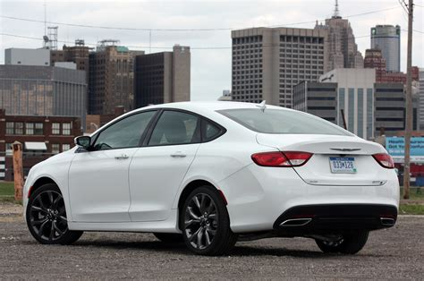 Chrysler 200s Review by 2015 Chrysler 200s Awd Review Photo Gallery Autoblog