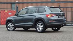 Skoda Kodiaq Business : skoda new kodiaq 2018 ambition business quartz grey metallic led lights walk around detail ~ Maxctalentgroup.com Avis de Voitures