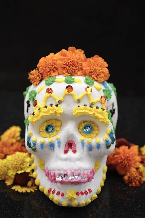 royal icing icing  decorate  sugar skulls