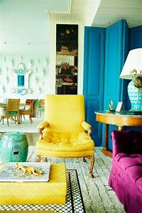 25 living rooms with stunning color pops messagenote