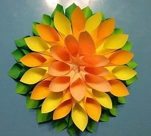 Blüten Aus Papier : die besten 25 blumen falten ideen auf pinterest blumen aus servietten basteln weihnachten ~ Eleganceandgraceweddings.com Haus und Dekorationen