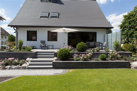 Terrasse Am Haus by Renovierung Eingang Und Terrasse Rinn Betonsteine Und