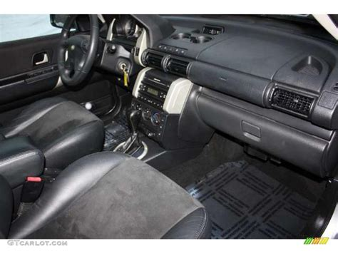 land rover freelander interior black interior 2004 land rover freelander se photo