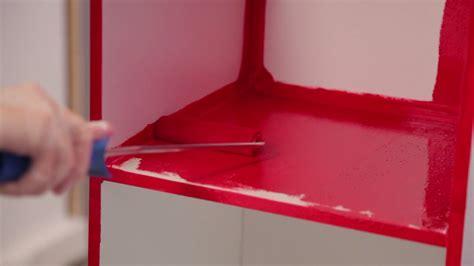 peindre meuble cuisine laqué comment peindre un meuble avec un effet laqué sur deco fr