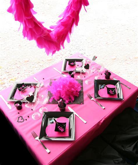 Décoration De Table Fuchsia Et Noir