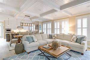 quatrefoil-rug-Living-Room-Beach-with-beige-couch-beige