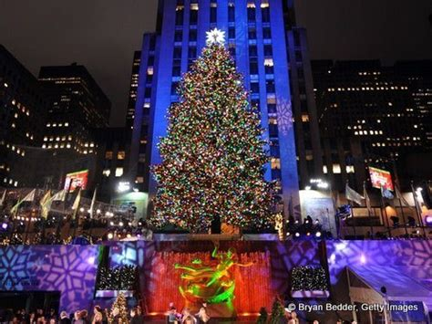 times square christmas tree new yorkers beware rockefeller center tree lighting closes midtown wednesday times