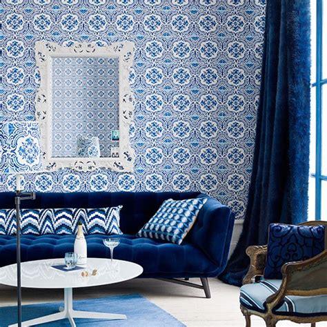 canapé bleu nuit idées déco pour votre salon marocain le bleu à l 39 honneur