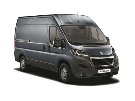 peugeot boxer cer peugeot boxer gets bluehdi technology commercialvehicle