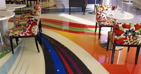 lingkar warna desain lantai  menggunakan epoksi