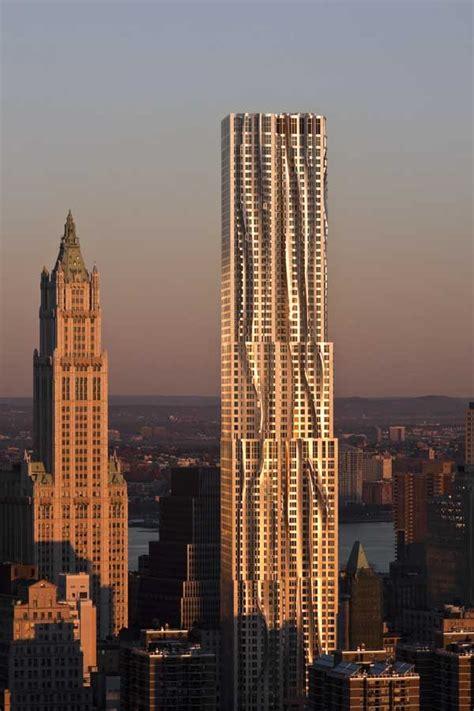 york  gehry  spruce street rippling building