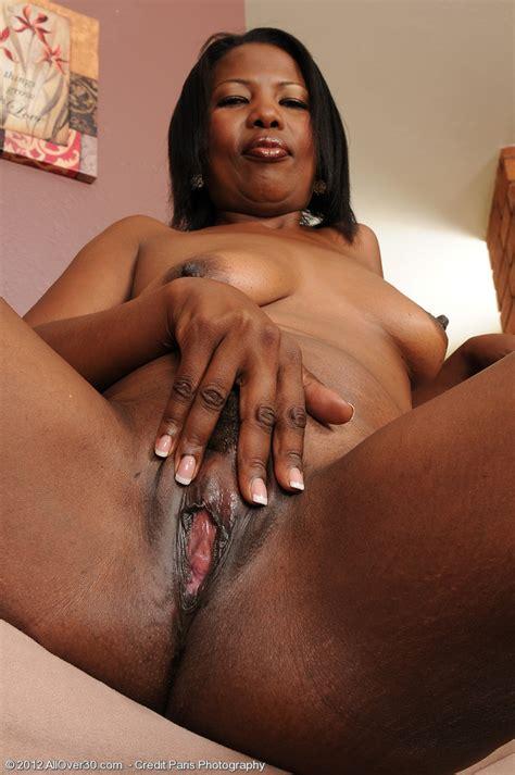 Ebony Milf Sapphire Fingers Her Damp Quim Milf Fox