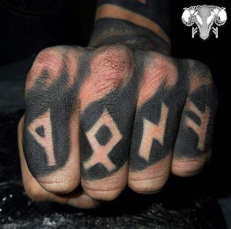 30 Amazing Finger Tattoos | Best Tattoo Ideas Gallery