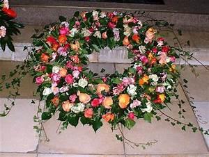 Trauer Blumen Bilder : blumen kraenze grabschmuck trauer gedenken bl ten zauber velbert ~ Frokenaadalensverden.com Haus und Dekorationen