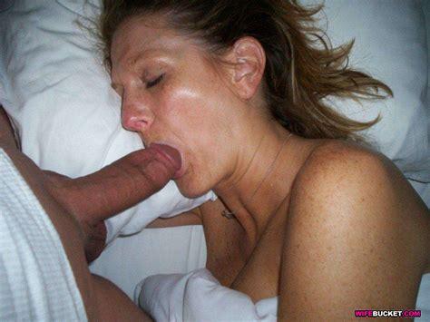 amateur milf moms having sex nude galerie