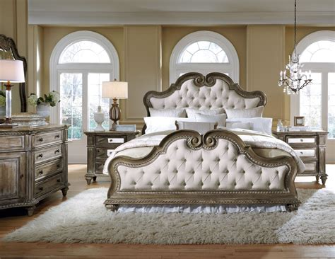 Arabella Upholstered Bedroom Set, 211170-211171-211172