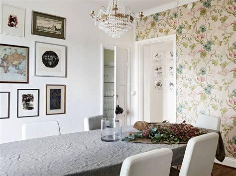tappezzeria design una tappezzeria floreale dai delicati colori pastello in